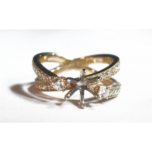 Yellow Gold Criss Cross Semi- Mount